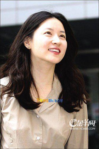 韩星李英爱怀孕4个月 暂停博士课程专心胎教